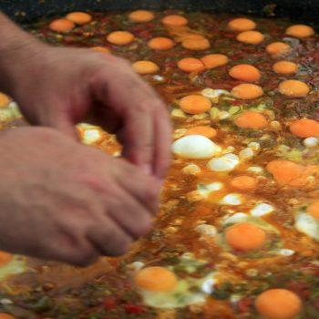 Huevos con fritada en Tobía