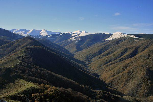 Vista del valle del río Tobía desde Peña Tobía