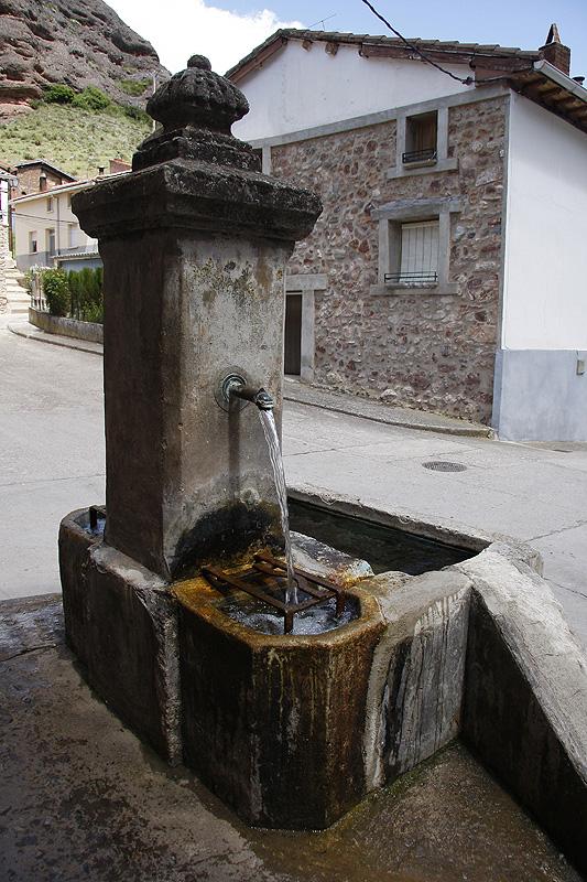 Fuente de Tobía