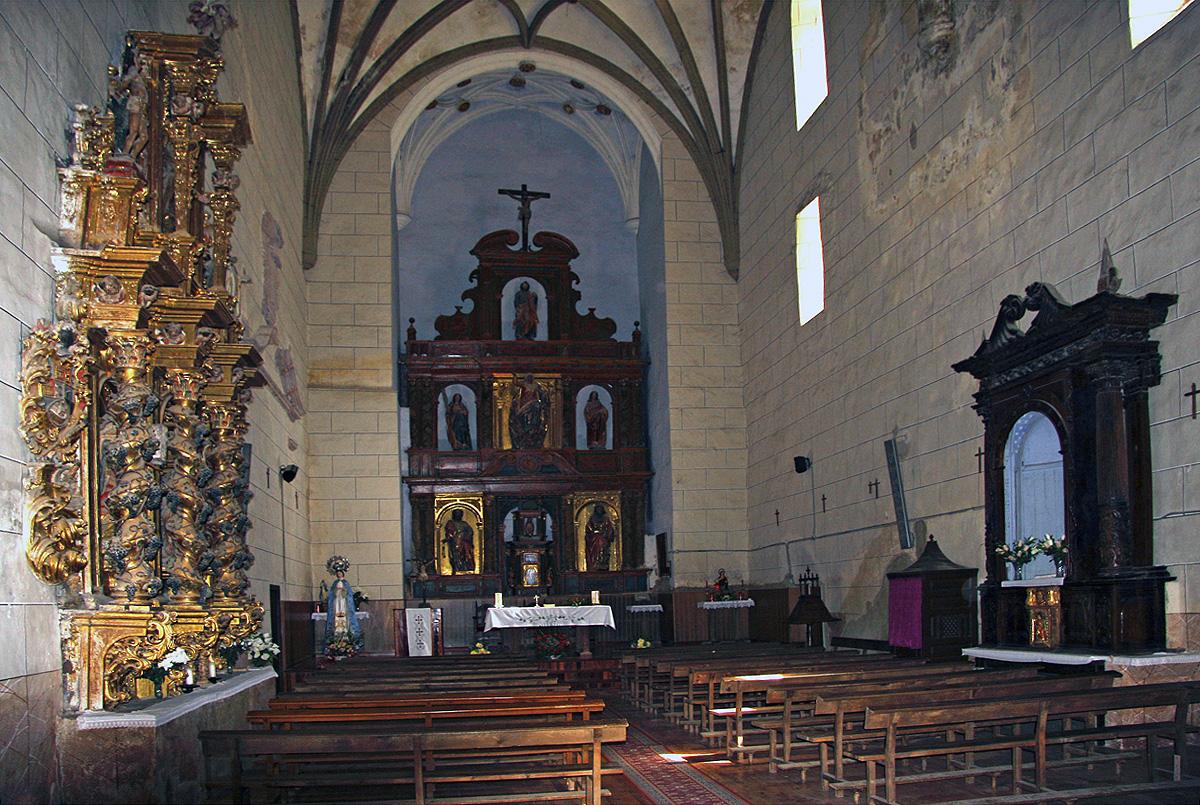 Interior de la iglesia de Tobía