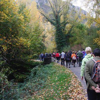 """La Marcha inicia el camino atravesando """"Puente Portillo""""."""