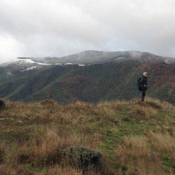 """Espectaculares vistas. Al fondo, """"Navar"""" cubierto por las primeras nieves"""